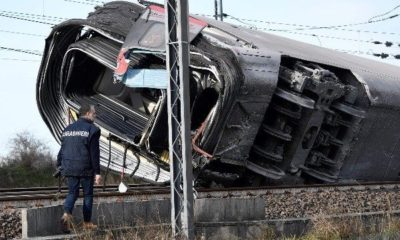 high-speed-train-derails-in-italy