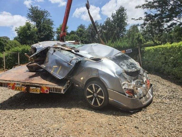 kenyans-kenya-crashed-bentley-continental-gt