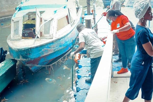 Lagos State Starts Clean Up Of Waterways