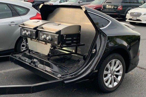 Audi-A7-bbq-grill-trailer