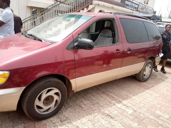 anambra-police-command-recovers-luxury-cars-dangerous-weapons-suspects