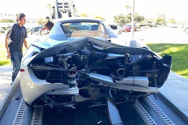 A BMW X5 Crashed A McLaren 720s