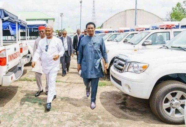 11265362_906461252935754243137024286855gov-hope-uzodinma-of-imo-state-procures-innoson-trucks-for-operation-search-and-flush