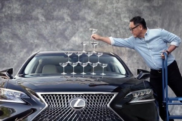 lexus-loads-champagne-glasses-bonnet-ls-500