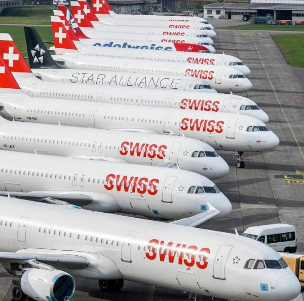 aircrafts-planes-parked-due-to-coronavirus-covid-19-outbreak