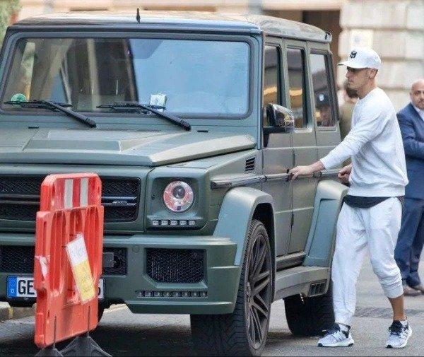Arsenal Star Mesut Ozil Caught Speeding At 97mph In Mercedes G-Wagon - autojosh