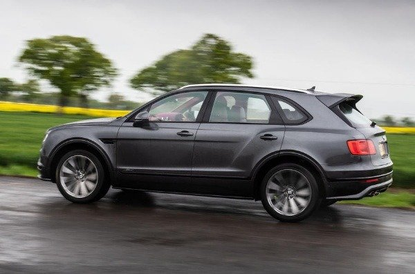 ultra-luxury-bentley-flagship-suv-reportedly-coming-to-challenge-rolls-royce-cullinan