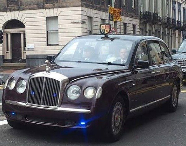 queen-elizabeth-ii-turns-94-take-a-look-at-her-₦4-7b-armoured-bentley-state-limousine