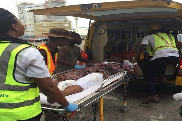 Tragic As Truck Falls In Lagos Killing 6 And Injuring 1