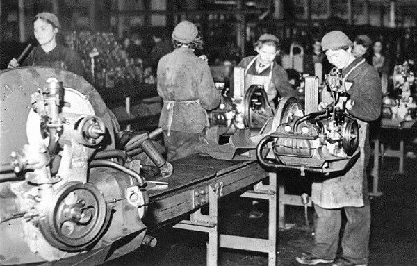 forced-female-laborers-assembling-engines-during-wwii-autojosh