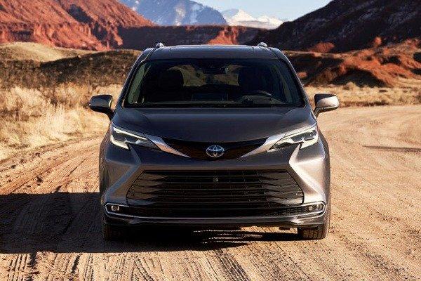 all-new-2021-toyota-sienna-minivan