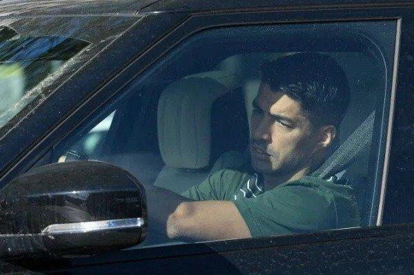 messi-barcelona-stars-cars-coronavirus-tests