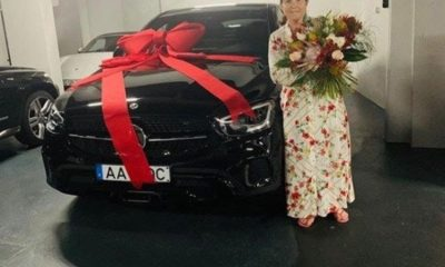 cristiano-ronaldo-gifts-mum-a-brand-new-mercedes-car-for-portuguese-mothers-day