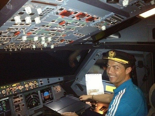 cristiano-ronaldo-jet