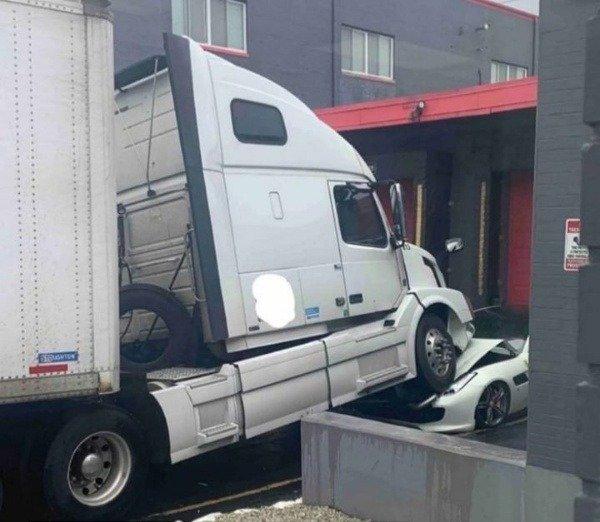 driver-volvo-truck-bosss-ferrari