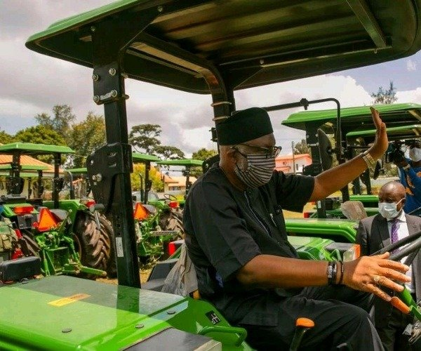 gov-akeredolu-of-ondo-distributes-tractors-loans-to-farmers