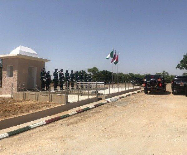 innoson-g80-nigerian-army-general-convoy