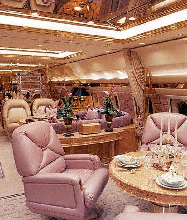 inside-roman-abramovichs-luxury-private-jet-bandit