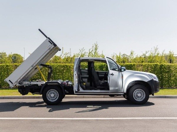 isuzu-tipper-conversion-d-max-utility-pick-up-truck