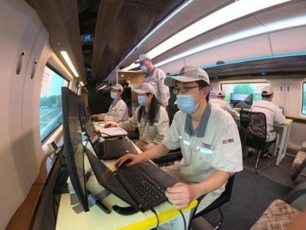 china-trial-run-floating-600-km-h-high-speed-maglev-train