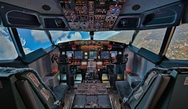 fg-takes-delivery-of-boeing-737-ng-flight-simulator