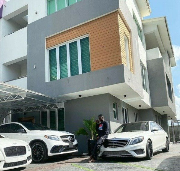 kizz-daniel-shows-off-his-3-all-white-luxury-cars-and-house