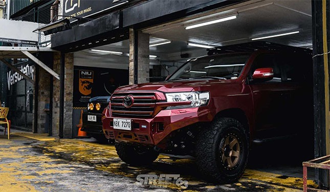 This Custom Toyota Land Cruiser Is The Ultimate Jungle King