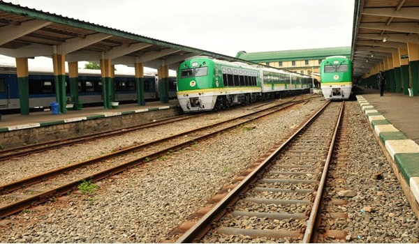 Iddo train station autojosh