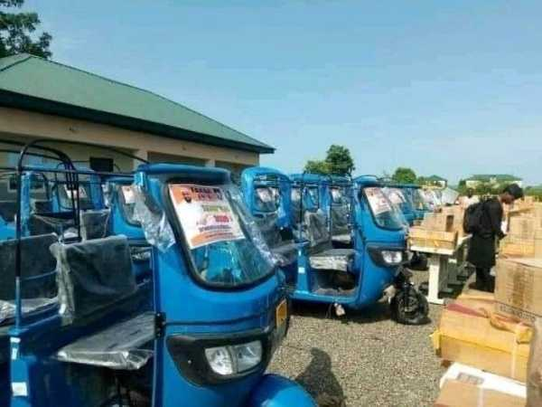 bauchi-lawmaker-empowers-constituency-with-cars-tricycles