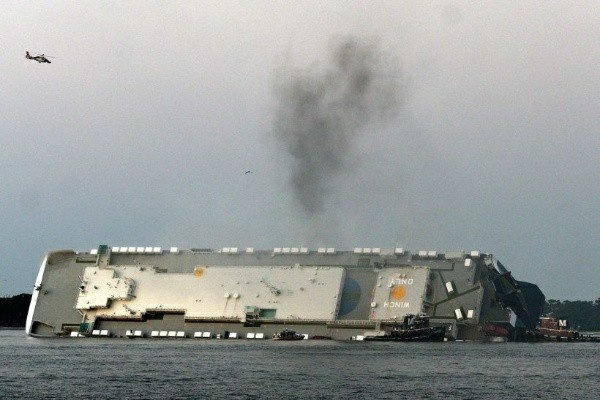 capsized-cargo-ship-with-4200-hyundai-cars-aboard-will-be-cut-into-pieces-with-a-giant-chain