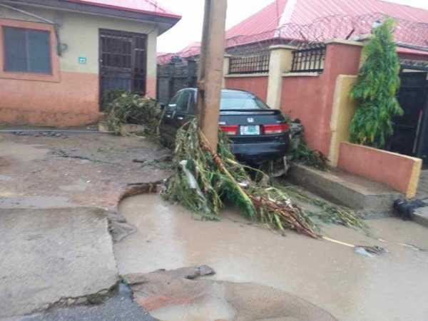 flood-from-heavy-downpour-sweeps-several-cars-away-in-abuja-kills-three