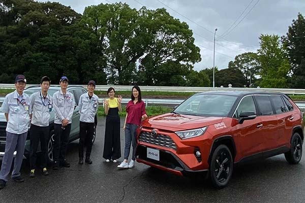 Wow! Toyota Actually Built An Rav4 Limousine In Japan