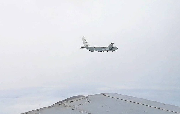 two-russian-fighter-jets-intercept-u-s-spy-plane