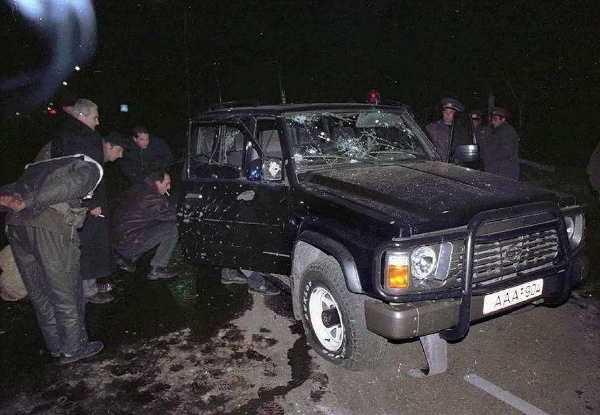 assassination-attempt-amoured-mercedes-georgian-presidents-shevardnadze-life
