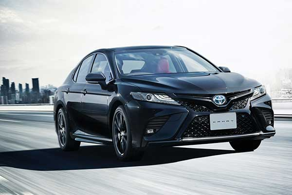 Toyota Celebrates 40 Years Of The Camry With Black Edition