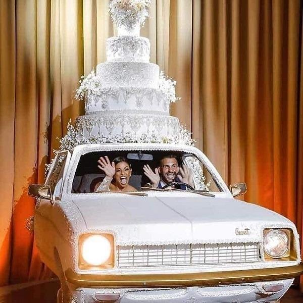 car cake wedding