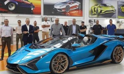 first-lamborghini-sian-roadster-presented-to-ceo
