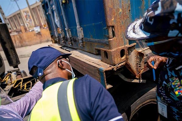 Container Accident, Traffic: Governor Sanwoolu Inspects Trucks And Bridges In Apapa