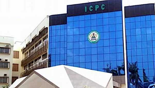 icpc-arrests-25-frsc-vio-officials-others-for-driver-license-fraud