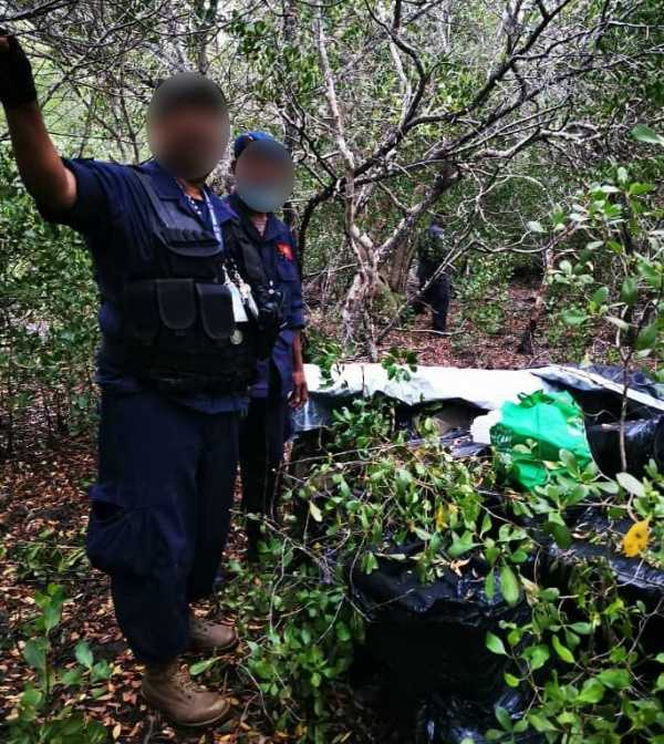 plane-overloaded-with-cocaine-crashes