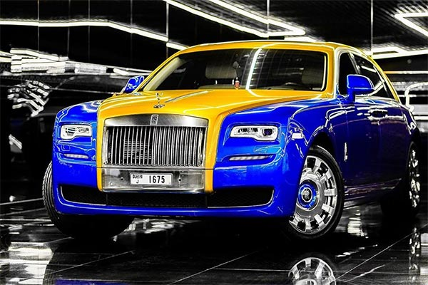 Odion Ighalo Admires Don Casanova's Rolls-Royce And Luxury Cars In Dubai
