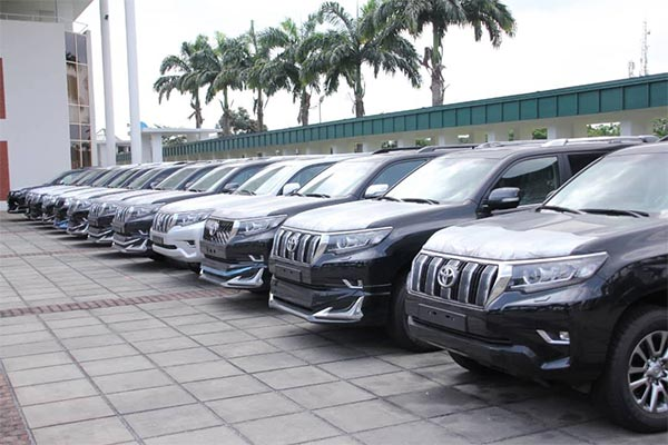 Gov. Wike Presents 15 Brand New Toyota Prado SUVs To National Assembly Members In Rivers State