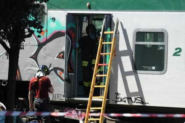 train-derails-in-italy-after-traveling-without-driver-conductor