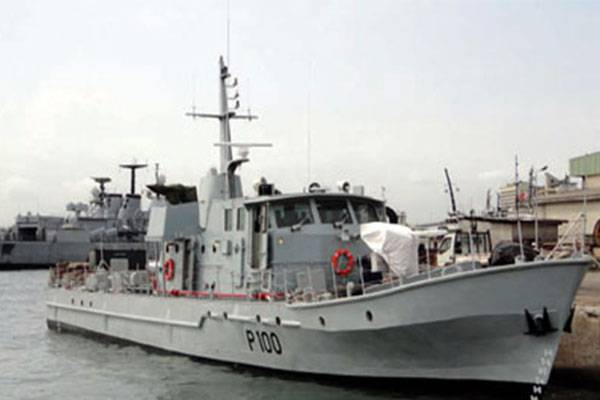 """Throwback: See The First Locally Built Warship """"NNS Andonni"""" Commissioned By President Goodluck Jonathan"""