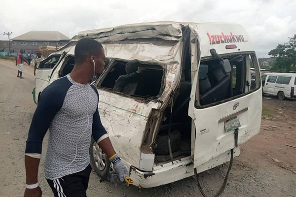 4 Feared Dead As Truck, Commercial And Private Vehicles Collide In Obosi, Anambra. Others Critically Injured
