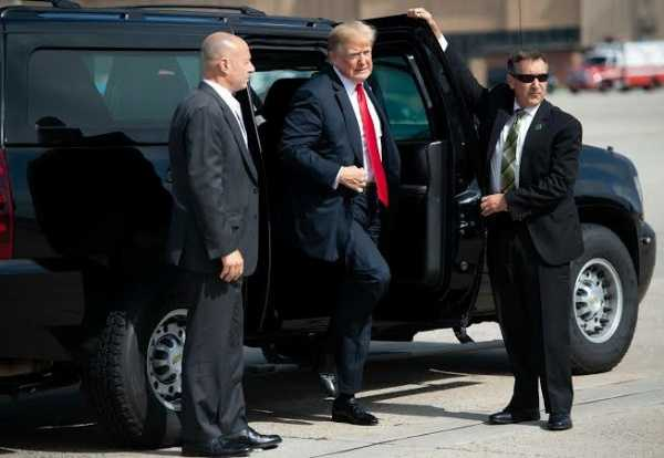 US-Presidents-Official-State-Car-Bulletproof-Chevrolet-Suburban-SUV