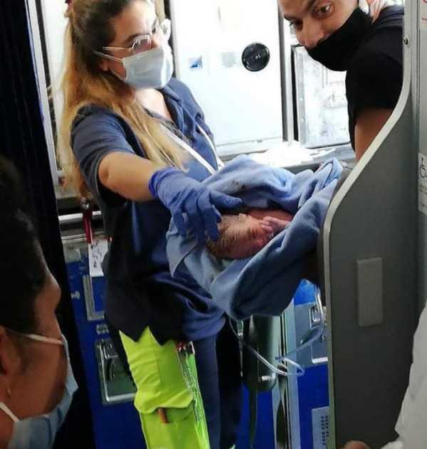 baby-born-on-egyptair-flights-free-lifetime-ticket