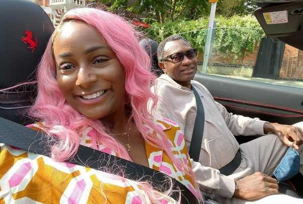 ghanaian singer-stonebwoy-takes-ride-in-dj-cuppys-ferrari
