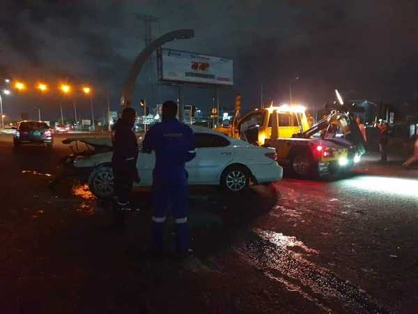 drunk-driver-crashes-lexus-along-lekki-epe-expressway-lasema