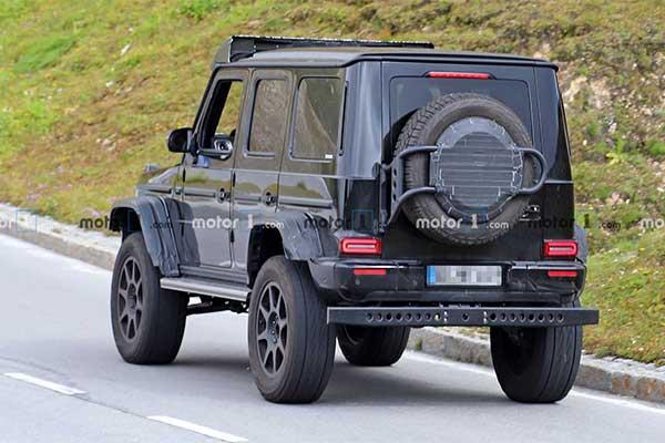 Mercedes-Benz Showcases Spy Photos Of The G-Wagon 4x4